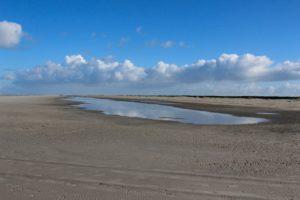 Eindeloze strand van Schiermonnikoog. Foto Pixabay