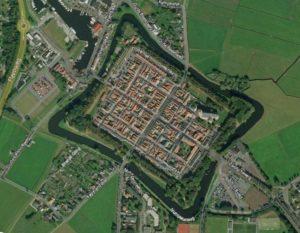 Vierkant Elburg. Beeld van Google Earth.